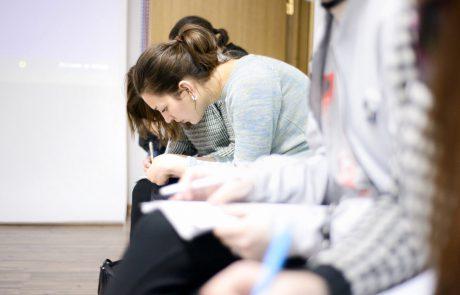 סקר חדש מגלה: 44% מהישראלים מאמינים שלא יהיו מסוגלים לממן את הלימודים האקדמיים של ילדיהם