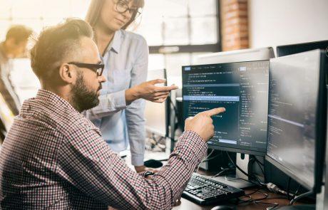 קורס פיתוח תוכנה – למי מתאים וכמה מרוויחים
