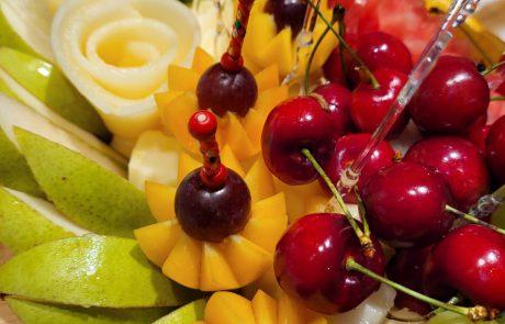 רגע לפני תקופת החגים – חשבתם על הזמנת סושי פירות?